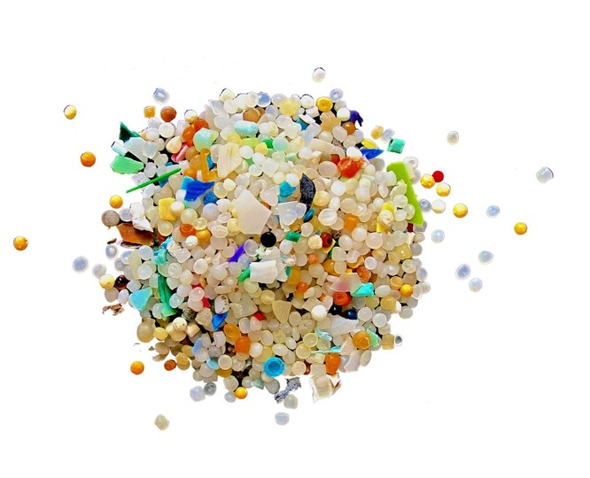 Kinh hoàng hơn 1.000 tấn vi nhựa rơi xuống mặt đất mỗi năm ảnh 1