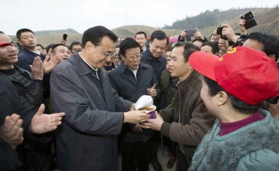 Lãnh đạo Trung Quốc đang thể hiện hình ảnh gần gũi với dân chúng