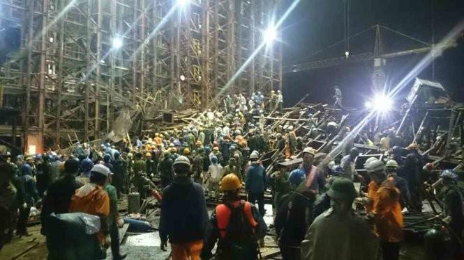Hàng trăm cán bộ, nhân viên tham gia cứu hộ tại hiện trường xảy ra vụ tai nạn
