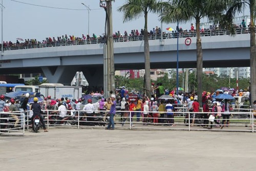 Hàng ngàn công nhân Công ty PouYuen tiếp tục đình công ảnh 2