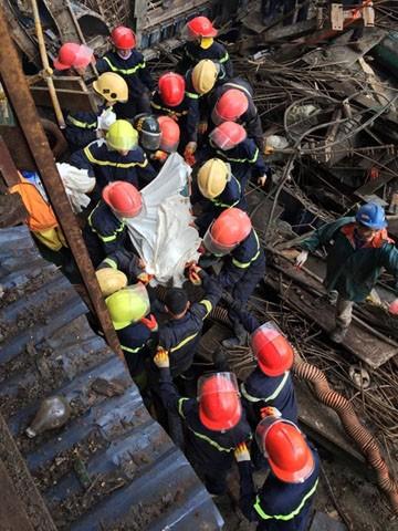 Hiện trường vụ sập giàn giáo thảm khốc khiến 13 công nhân tử vong tại chỗ, 28 người bị thương tại công trường Formosa tối ngày 25/3