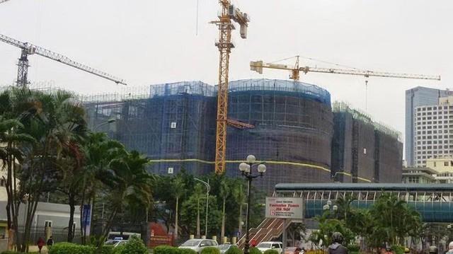 Vinhomes Nguyễn Chí Thanh đang xây tầng 18