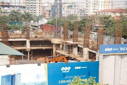 Dù chưa hoàn thiện móng nhưng chủ đầu tư dự án FLC 36 Phạm Hùng đã mở bán chính thức