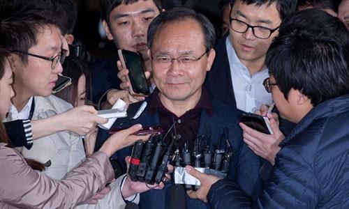 Chủ tịch Sung Woan-jong tự tử khi đang ở tâm điểm scandal về lập quỹ đen, đưa hối lộ