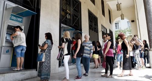 Hy Lạp đóng cửa ngân hàng, thị trường chứng khoán ảnh 1