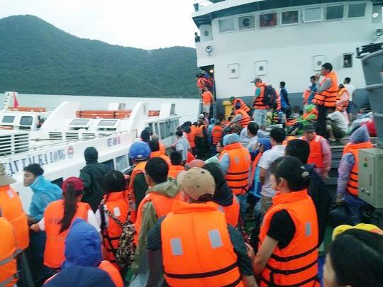 Xử nghiêm nhà tàu thu 100.000 đồng/du khách từ Cô Tô về đất liền ảnh 1