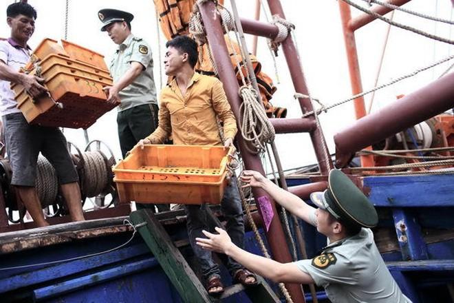 Tàu cá Trung Quốc rầm rộ ra Biển Đông ảnh 5