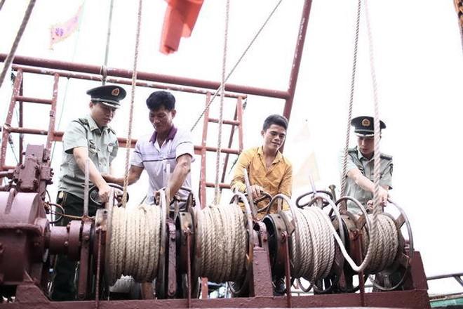 Tàu cá Trung Quốc rầm rộ ra Biển Đông ảnh 6