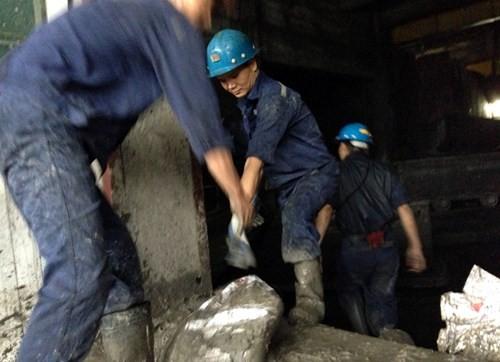 Nhiều vựa than tan hoang sau mưa lũ ở Quảng Ninh ảnh 14
