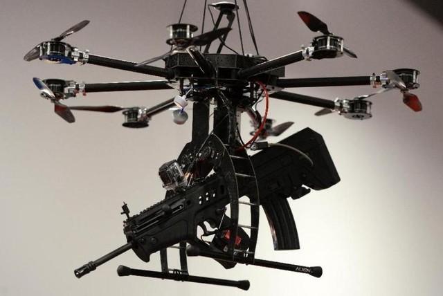 """Bộ Quốc Phòng Việt Nam """"tuýt còi"""" thú chơi Drone tự phát ảnh 2"""