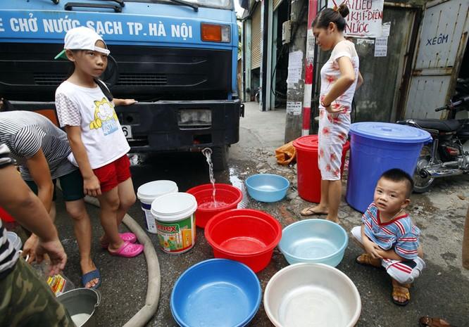 Sau sự cố vỡ đường ống, dân thủ đô khốn đốn vì mất nước kéo dài ảnh 13