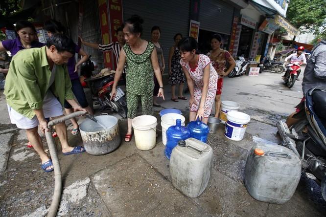 Sau sự cố vỡ đường ống, dân thủ đô khốn đốn vì mất nước kéo dài ảnh 14