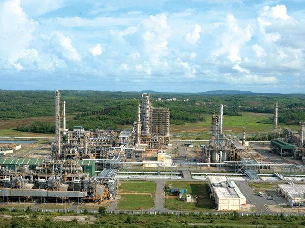 Lọc dầu Dung Quất chịu mức thuế cao vẫn lãi lớn ảnh 1