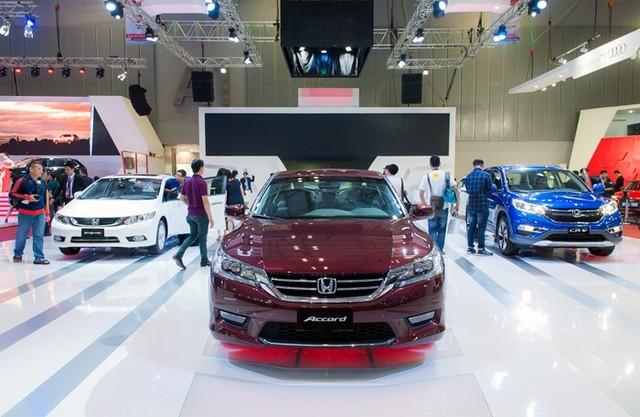 Tháng 9, ôtô đồng loạt tăng giá mạnh ảnh 1