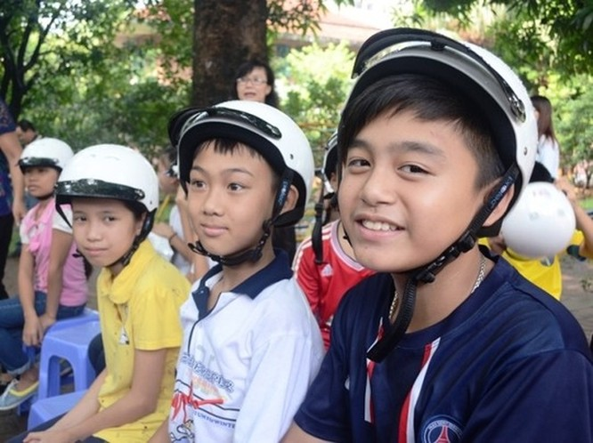 Đại sứ Ted Osius mời trẻ em làng SOS vào xe đặc biệt ảnh 6