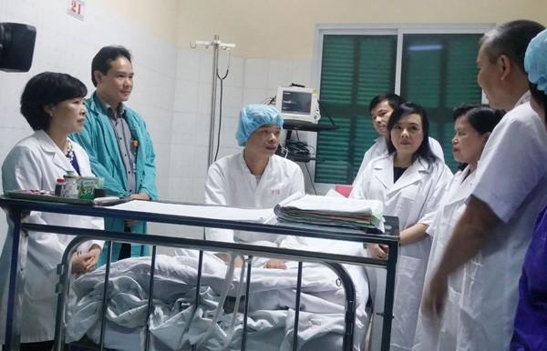 Bộ trưởng Y tế tính mua trực thăng vận chuyển tạng ảnh 1