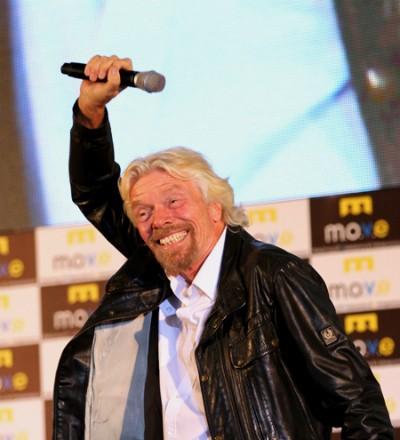 Tỷ phú Richard Branson nhảy múa chào 4.000 khán giả Việt Nam ảnh 2