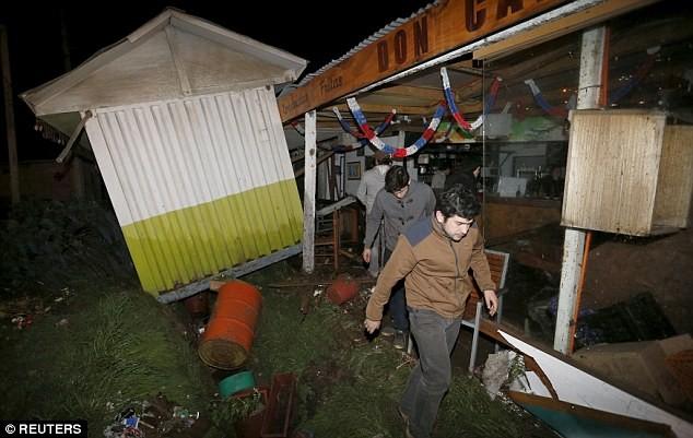 Sóng thần đã gây ra những thiệt hại ban đầu tại Chile