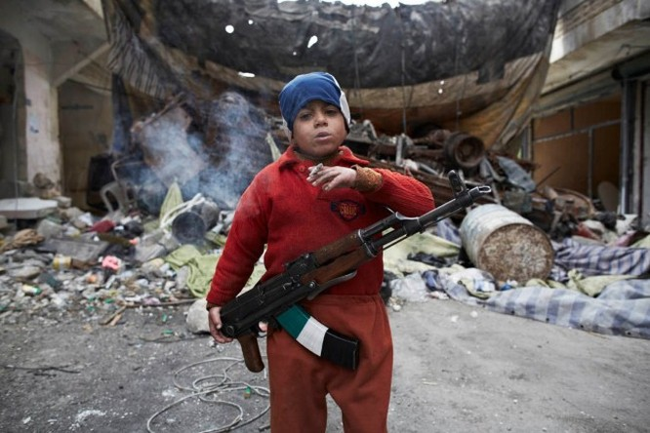 Cuộc sống địa ngục của trẻ em Syria ảnh 1