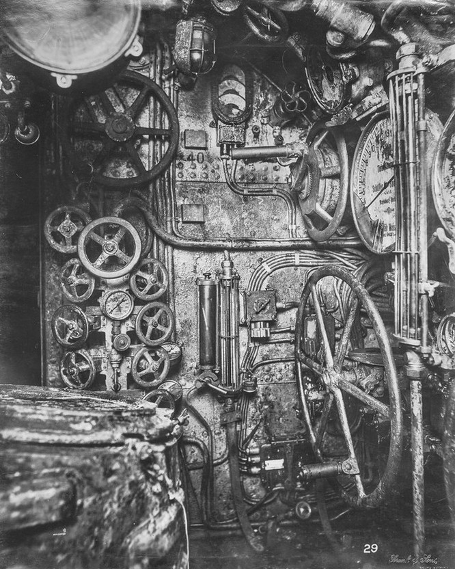"""""""Mổ bụng"""" tàu ngầm U-Boat nổi tiếng của Đức ảnh 6"""