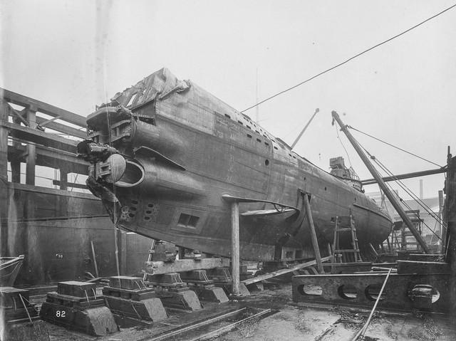 """""""Mổ bụng"""" tàu ngầm U-Boat nổi tiếng của Đức ảnh 2"""