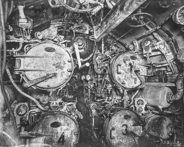 """""""Mổ bụng"""" tàu ngầm U-Boat nổi tiếng của Đức ảnh 4"""