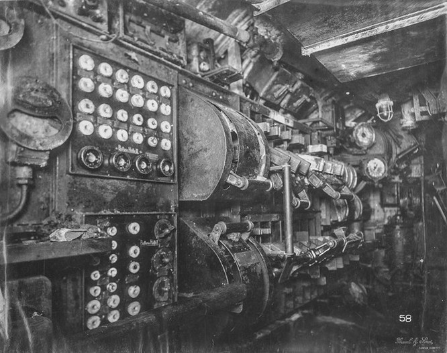 """""""Mổ bụng"""" tàu ngầm U-Boat nổi tiếng của Đức ảnh 9"""