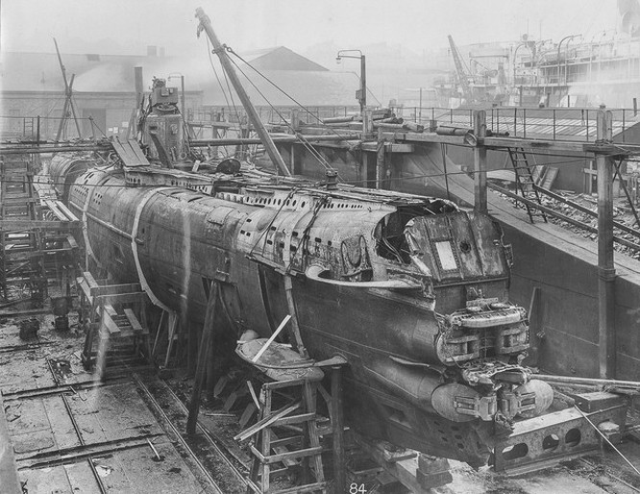 """""""Mổ bụng"""" tàu ngầm U-Boat nổi tiếng của Đức ảnh 1"""