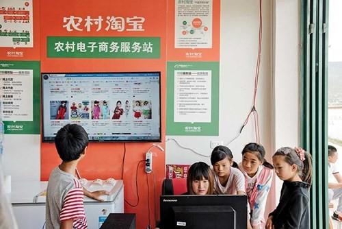 Alibaba đưa thương mại điện tử về làng ảnh 1