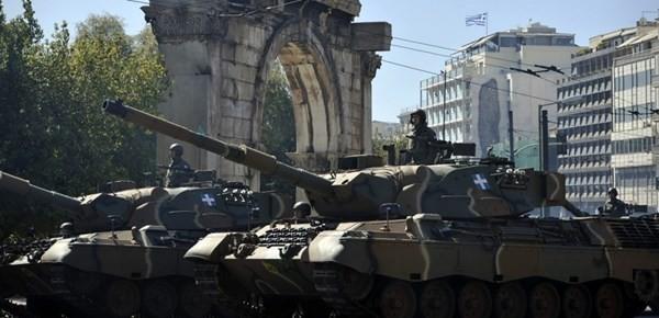 Hy Lạp nợ ngập đầu nhưng vẫn chi tiền khủng cho quân sự ảnh 1