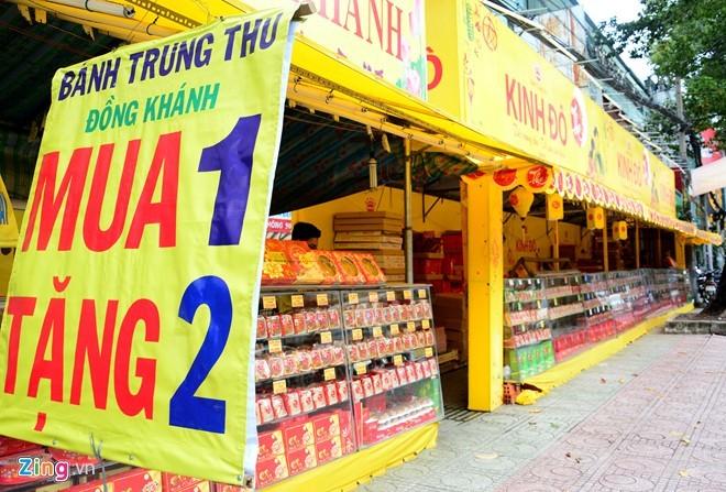 Ma trận bánh trung thu mua 1 tặng 2, 3 ở Sài Gòn ảnh 1
