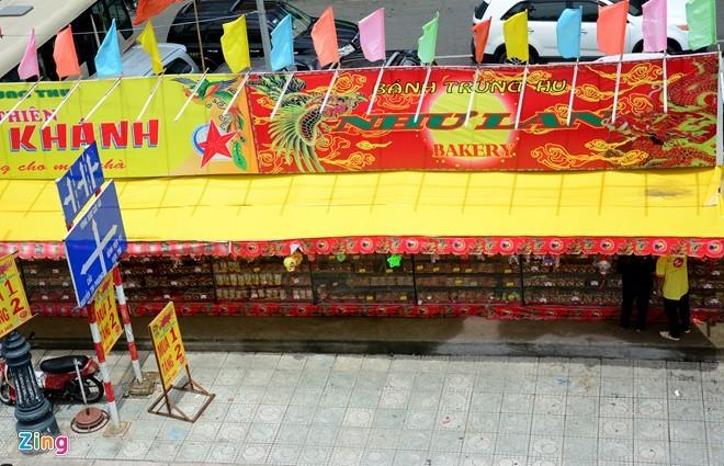 Ma trận bánh trung thu mua 1 tặng 2, 3 ở Sài Gòn ảnh 2