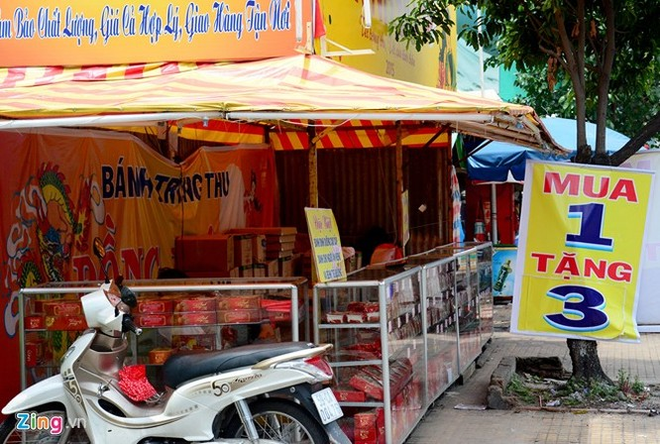 Ma trận bánh trung thu mua 1 tặng 2, 3 ở Sài Gòn ảnh 4