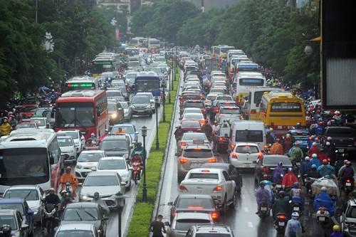 Nhiều khu vực Hà Nội ngập nặng sau mưa lớn ảnh 1