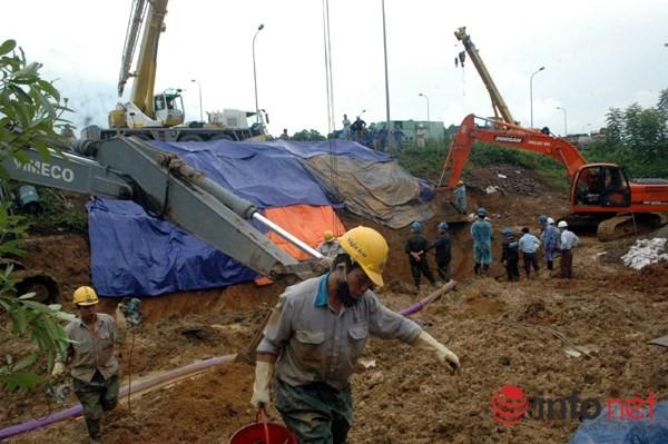 Cận cảnh đoạn vỡ đường ống dẫn nước sạch Sông Đà lần thứ 15 ảnh 12