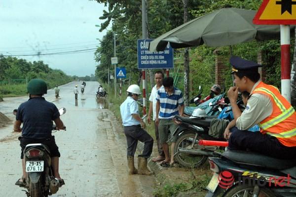 Cận cảnh đoạn vỡ đường ống dẫn nước sạch Sông Đà lần thứ 15 ảnh 14