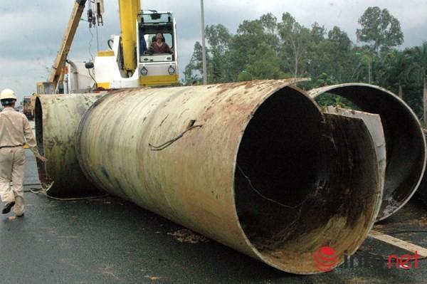 Cận cảnh đoạn vỡ đường ống dẫn nước sạch Sông Đà lần thứ 15 ảnh 4