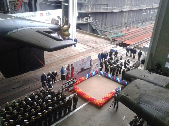 Chùm ảnh lễ hạ thuỷ chiếc tàu ngầm Kilo cuối cùng của Việt Nam ảnh 1
