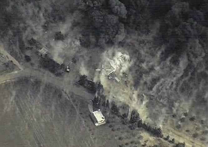 Một vị trí gần Homs bị phá huỷ từ cuộc không kích của Nga chiều 30.9