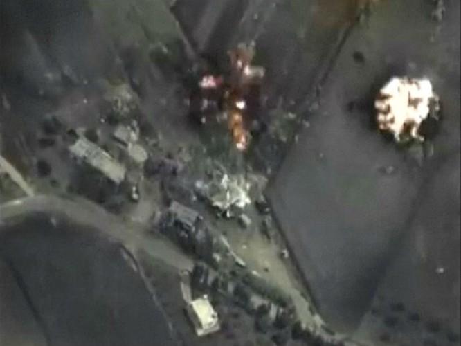 Hình ảnh do Bộ Quốc phòng Nga cung cấp về cuộc không kích của Nga tại Syria tối 30.9 - Ảnh: Reuters