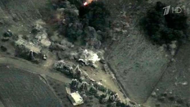Hơn 50 máy bay Nga tham gia oanh kích IS ở Syria ảnh 6