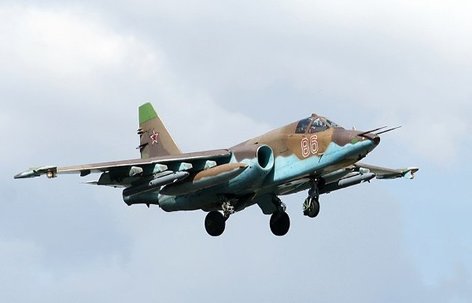 Hơn 50 máy bay Nga tham gia oanh kích IS ở Syria ảnh 2