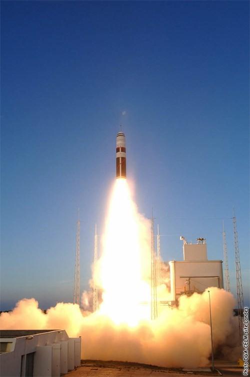 Pháp thử nghiệm thành công tên lửa đạn đạo liên lục địa M51 ảnh 1
