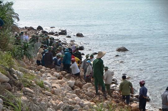 Quảng Ninh cấm biển, 115 du khách kẹt trên đảo Cô Tô ảnh 1