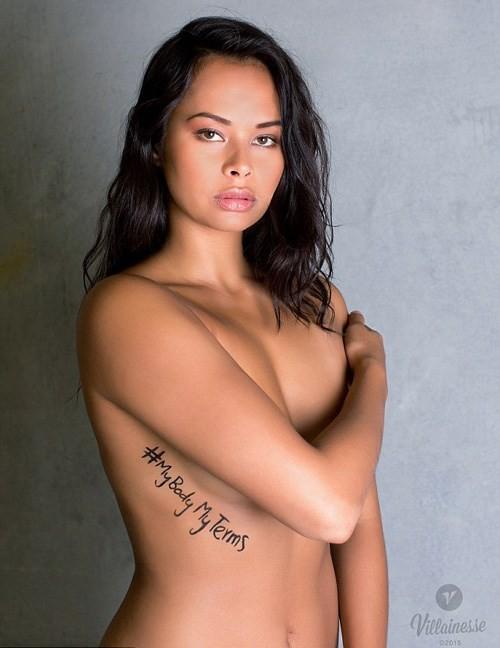 Chụp ảnh khỏa thân phản đối bạo lực tình dục ảnh 2
