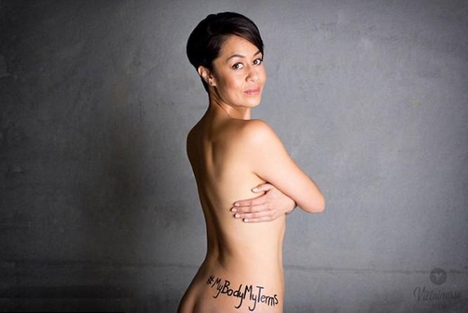 Chụp ảnh khỏa thân phản đối bạo lực tình dục ảnh 4