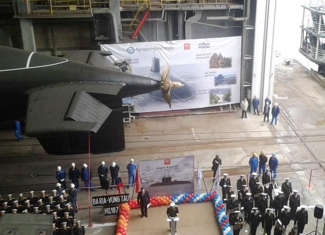 Nga bắt nhà thầu phụ lừa đảo đóng tàu ngầm cho Việt Nam ảnh 1