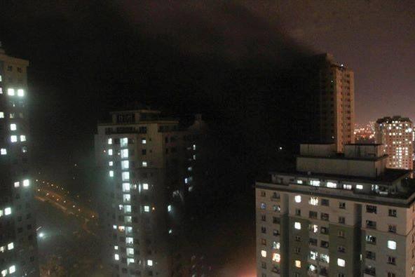 """Cháy khu đô thị Xa La của """"đại gia điếu cày"""": Hàng nghìn người la ó cầu cứu ảnh 19"""
