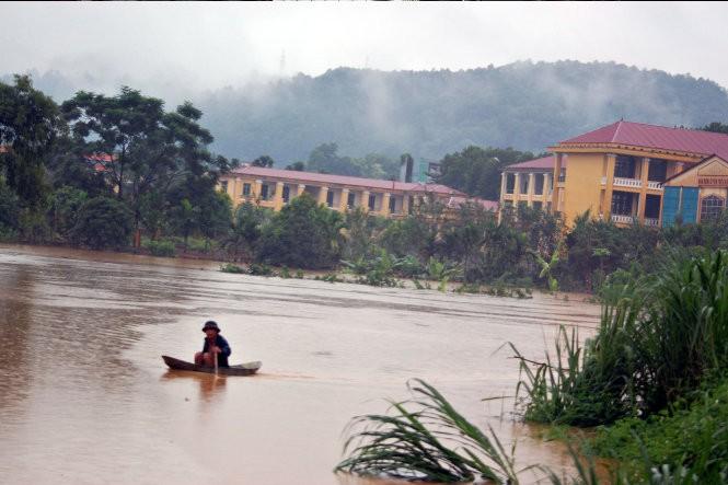Trung Quốc xả lũ, nước sông Hồng tại Hà Nội có thể lên 3,4m ảnh 1