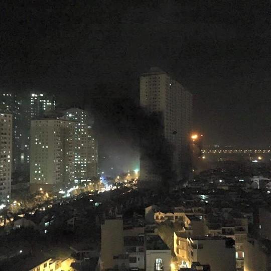 """Cháy khu đô thị Xa La của """"đại gia điếu cày"""": Hàng nghìn người la ó cầu cứu ảnh 10"""